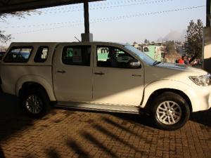 Toyota Hilux 3.0D-4D double cab Raider - Image 4