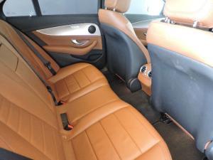 Mercedes-Benz E 200 AMG - Image 14