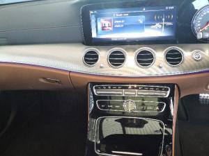 Mercedes-Benz E 200 AMG - Image 18