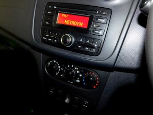 Renault Sandero 900 T Expression - Image 19