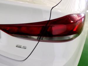 Hyundai Elantra 2.0 Elite automatic - Image 17
