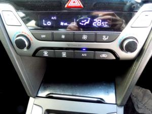 Hyundai Elantra 2.0 Elite automatic - Image 25