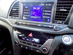 Hyundai Elantra 2.0 Elite automatic - Image 29