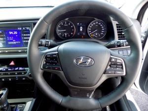 Hyundai Elantra 2.0 Elite automatic - Image 30