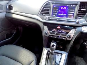 Hyundai Elantra 2.0 Elite automatic - Image 31
