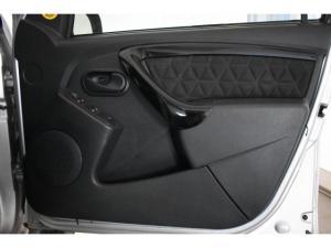 Renault Duster 1.5dCi Dynamique 4WD - Image 13