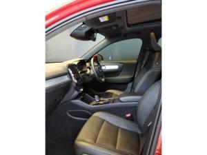 Volvo XC40 D4 AWD Momentum - Image 7
