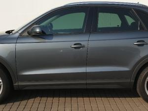 Audi Q3 2.0T FSI Quatt Stronic - Image 3