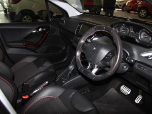 Peugeot 208 1.2T GT Line auto - Image 6