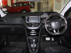 Peugeot 208 1.2T GT Line auto - Image 7