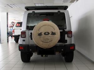 Jeep Wrangler Unlimited 3.8L Sahara - Image 5