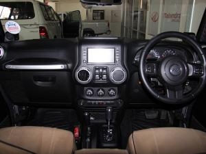 Jeep Wrangler Unlimited 3.8L Sahara - Image 7