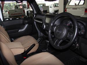 Jeep Wrangler Unlimited 3.8L Sahara - Image 8
