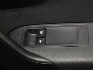 Volkswagen Polo Vivo 1.4 Comfortline - Image 13