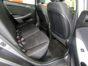 Hyundai Accent 1.6 Fluid automatic 5-Door - Image 10
