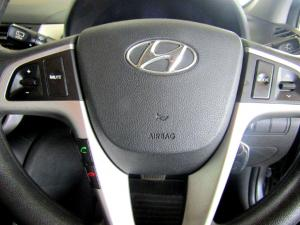 Hyundai Accent 1.6 Fluid automatic 5-Door - Image 17