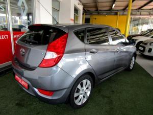 Hyundai Accent 1.6 Fluid automatic 5-Door - Image 6