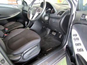 Hyundai Accent 1.6 Fluid automatic 5-Door - Image 9