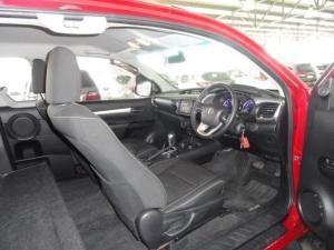 Toyota Hilux 2.8 GD-6 RB Raider 4X4 automaticE/CAB - Image 12