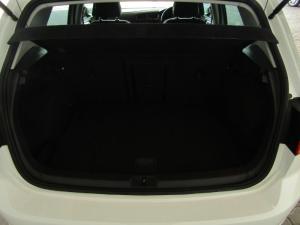 Volkswagen Golf 1.0TSI Comfortline - Image 10