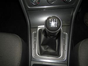 Volkswagen Golf 1.0TSI Comfortline - Image 11