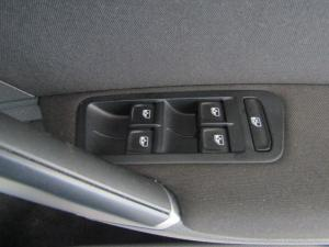 Volkswagen Golf 1.0TSI Comfortline - Image 20