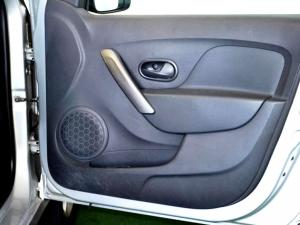 Renault Sandero 900T Stepway - Image 26
