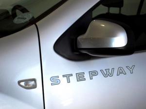 Renault Sandero 900T Stepway - Image 31