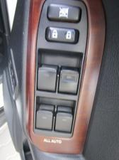 Toyota Prado VX 3.0 TDi automatic - Image 15