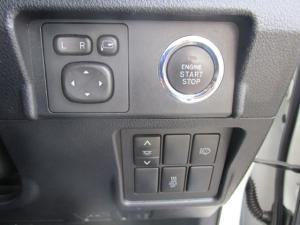 Toyota Prado VX 3.0 TDi automatic - Image 19