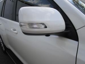 Toyota Prado VX 3.0 TDi automatic - Image 2