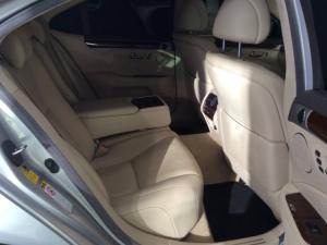 Lexus LS 460 - Image 13