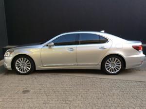 Lexus LS 460 - Image 19