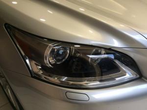 Lexus LS 460 - Image 8