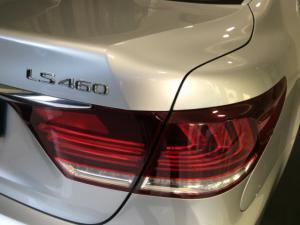 Lexus LS 460 - Image 9