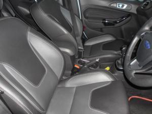 Ford Fiesta 5-door 1.0T Titanium - Image 17