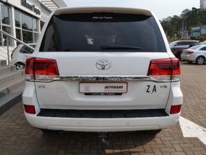 Toyota Land Cruiser 200 4.5D-4D V8 VX - Image 3