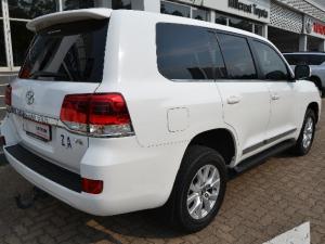 Toyota Land Cruiser 200 4.5D-4D V8 VX - Image 4