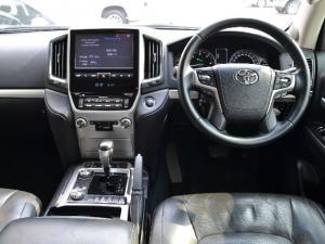 Toyota Land Cruiser 200 4.5D-4D V8 VX - Image 5