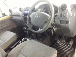 Toyota Land Cruiser 79 4.5DS/C - Image 6