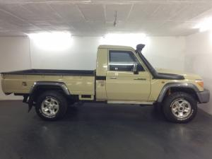 Toyota Land Cruiser 79 4.5DS/C - Image 8