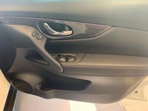 Nissan X Trail 2.5 Acenta 4X4 CVT - Image 6