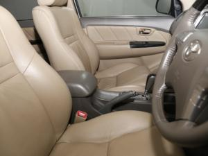 Toyota Fortuner 4.0 V6 RB automatic - Image 16