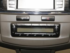 Toyota Fortuner 4.0 V6 RB automatic - Image 20