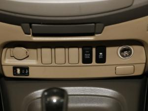 Toyota Fortuner 4.0 V6 RB automatic - Image 21