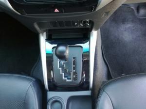 Mitsubishi Triton 2.4 Di-DC automaticD/C - Image 9