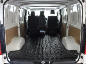 Toyota Quantum 2.8 LWB panel van - Image 13