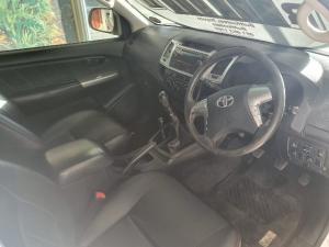 Toyota Hilux 3.0D-4D Raider Legend 45 - Image 5