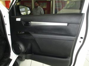 Toyota Hilux 2.4 GD-6 RB SRXS/C - Image 7