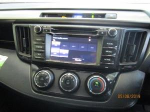 Toyota RAV4 2.0 GX - Image 20